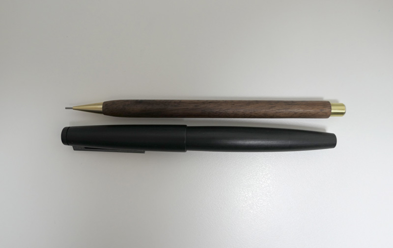 Handmade Walnut and Brass Mechanical Pencil_08